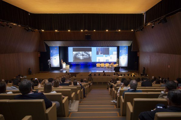 Los Cirujanos Maxilofaciales Advierten En El Congreso SECOM Del Riesgo De Operarse En Clínicas No Adecuadas