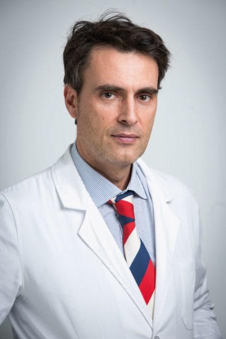 Cirugía para corregir la diástasis abdominal en hombres y mujeres