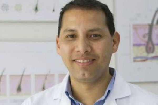 Dr. Gustavo Galindo Flores