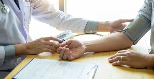 Hipertension e implantes dentales