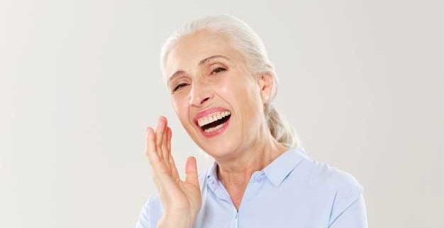 Tratamiento implantes dentales en un dia
