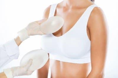 ¿Cuanto cuesta un recambio de prótesis mamaria?