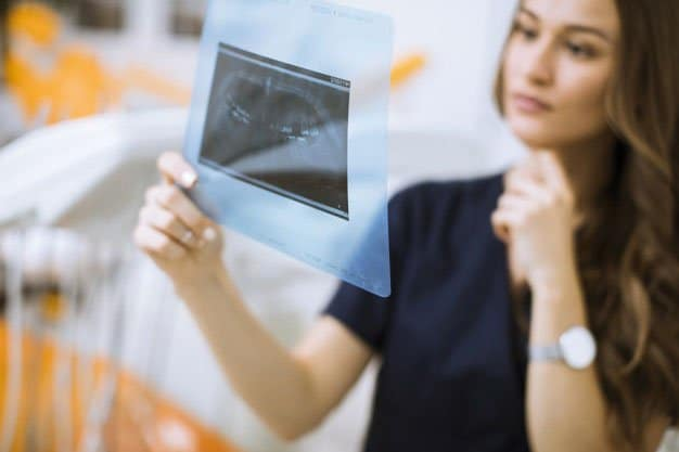 Riesgos de la salud dental «low cost» España