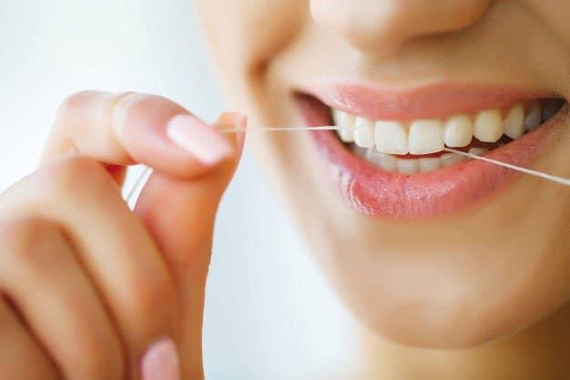 Eliminar sarro en los dientes